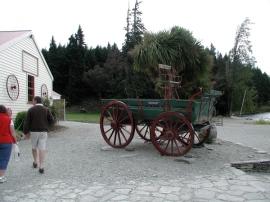 antique_farm_cart