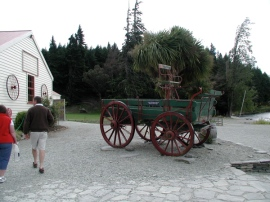 antique_farm_cart