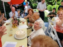 edith-blowing-out-candles-andreas