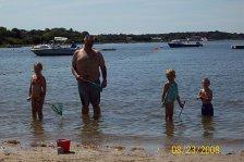 larry_kids_go_crabbing
