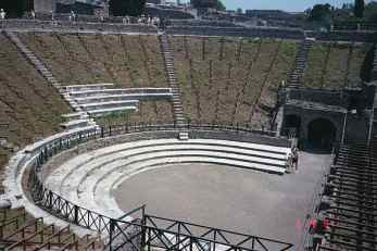 v4_theater_pompei