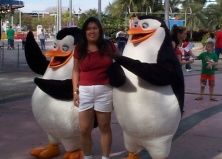 viv_universalstudiospenguins_120705