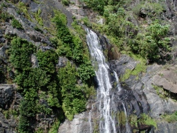 waterfall_on_the_way_to_kuranda_2
