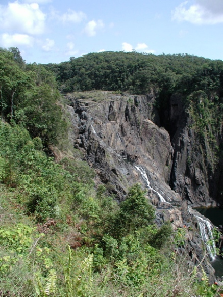 waterfall_on_the_way_to_kuranda_4